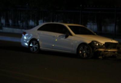 """Тяжелое ДТП в Баку: женщина вылетела из окна машины <span class=""""color_red"""">- ФОТО</span>"""