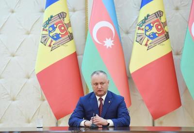 Игорь Додон пригласил Президента Ильхама Алиева посетить Молдову с официальным визитом