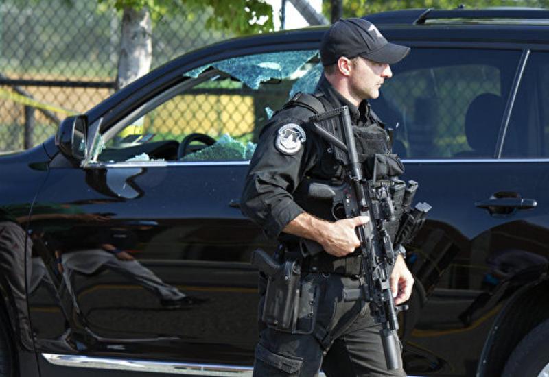 """В аэропорту Нью-Йорка задержали мужчину по подозрению в связях с """"ИГ"""""""