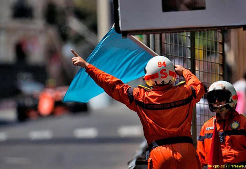 В Формуле-1 изменили правило синих флагов перед этапом в Баку