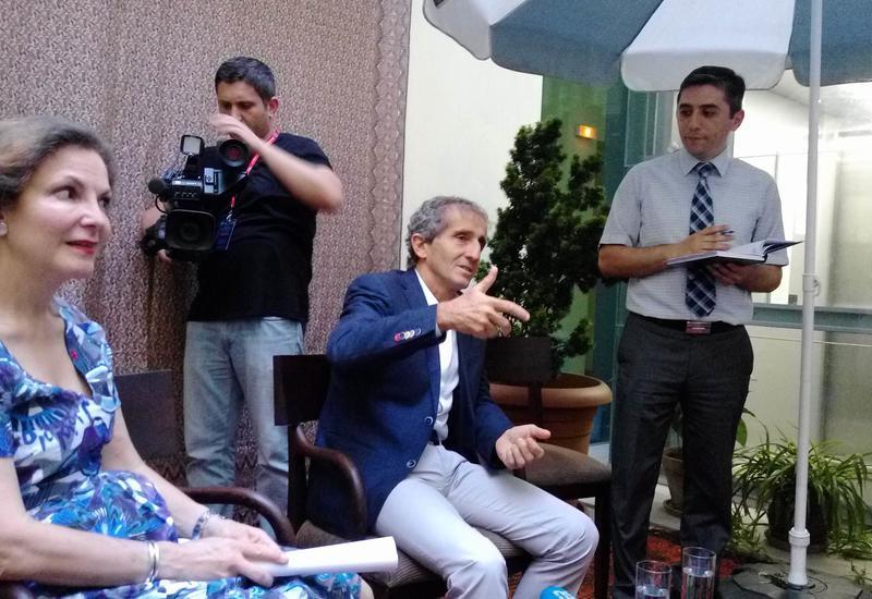 """Легенда Ф1 Ален Прост: В Баку я увидел высочайшую подготовку к гонкам <span class=""""color_red"""">- ФОТО</span>"""