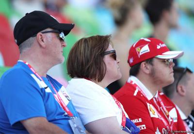 """Болельщики на трибунах гонок Гран-при Формулы 1 в Баку <span class=""""color_red""""> - ФОТОСЕССИЯ</span>"""
