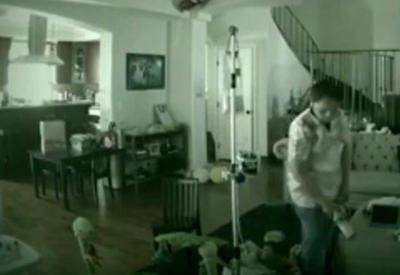 """В США семейная пара поймала с поличным няню, избивавшую их ребенка <span class=""""color_red"""">- ВИДЕО</span>"""