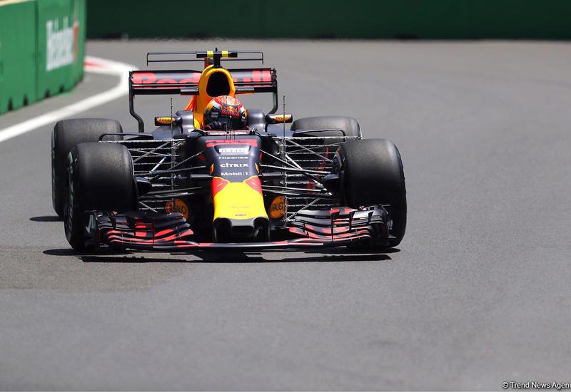 Пилот команды Red Bull прервал квалификацию Гран-при Азербайджана
