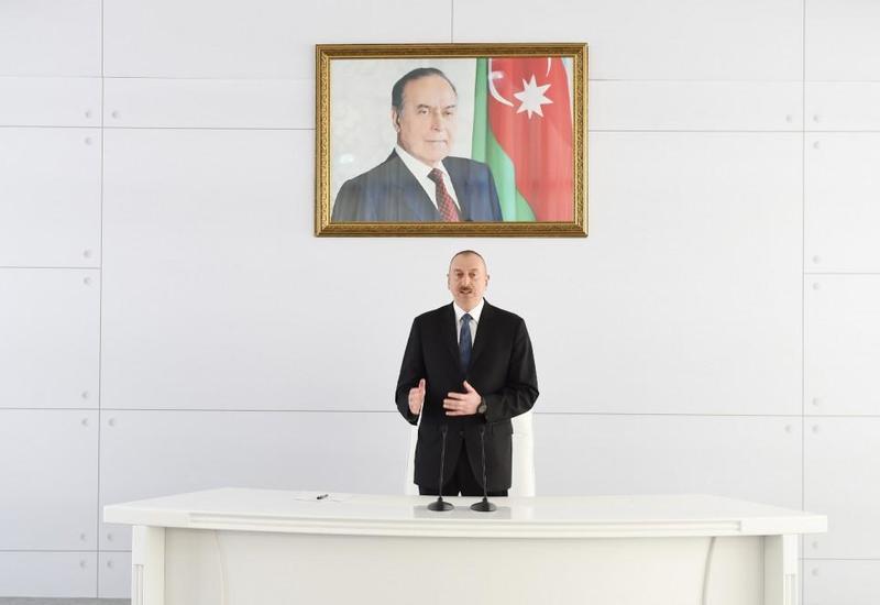 Президент Ильхам Алиев: Азербайджанская армия входит в число 50 сильнейших