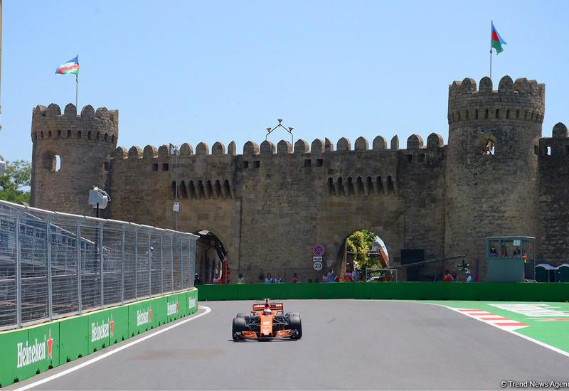 В Баку стартует второй день Гран-при Азербайджана Формулы-1