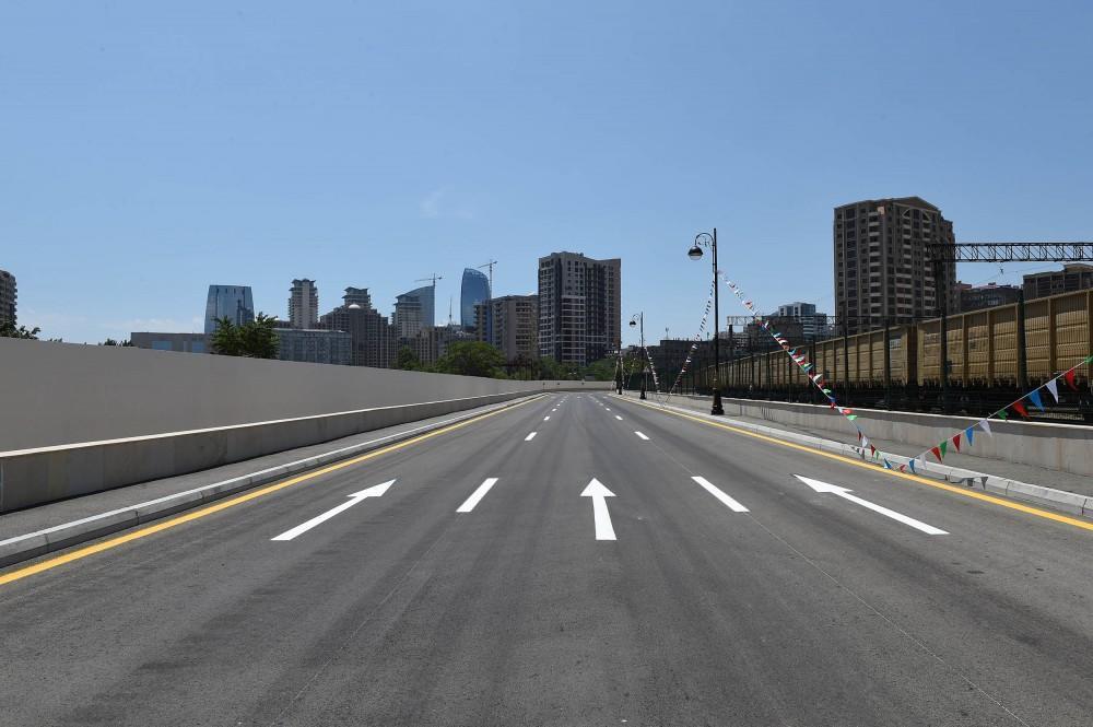 В Баку открыли новую дорогу, проложенной параллельно крупной улице