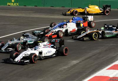 Первая авария на гонке Гран-при Азербайджана Формулы 1