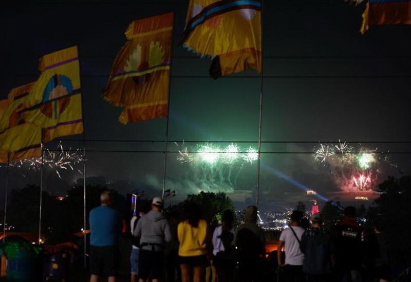 """В Англии стартовал крупнейший в мире музыкальный фестиваль «Гластонбери» <span class=""""color_red"""">- ФОТО</span>"""