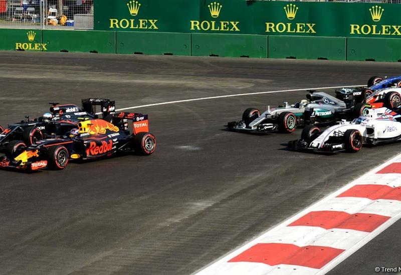 Трое гонщиков выбыли из гонки Гран-при Азербайджана Формулы 1