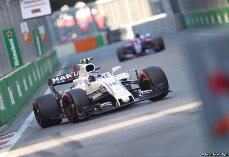 Два болида выбыли из гонки ФИА Формула-2 в Баку