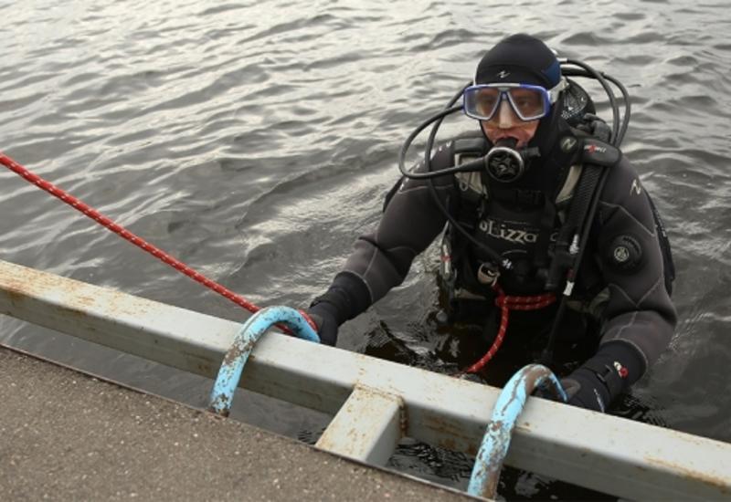 В Баку водолазы ищут тело утонувшего купальщика
