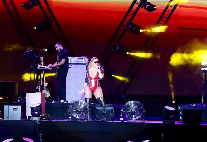 """Зажигательный концерт Мэрайи Кэри в Баку <span class=""""color_red"""">- ФОТОСЕССИЯ</span>"""
