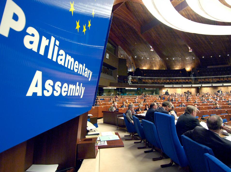 ПАСЕ приняла поправки крегламенту, позволяющие сместить президента ассамблеи