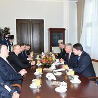 Президент Ильхам Алиев встретился с маршалом Сената Польши