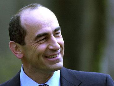 Второй президент Армении тянет время