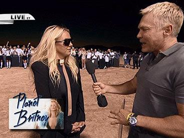 Бритни Спирс встретилась с фанатами в необычном месте - ФОТО