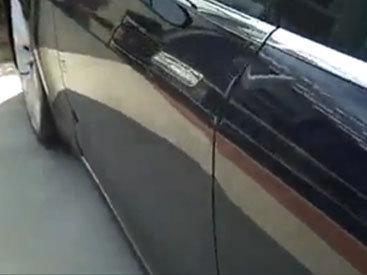 Необычная дверная ручка электромобиля - ВИДЕО