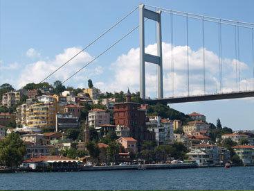 В Стамбуле произошло крупное ДТП, более 10 пострадавших