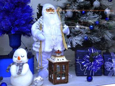 Баку в предчувствии праздника: новогодние витрины - ФОТОСЕССИЯ