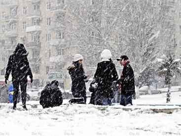 В канун Нового года в Баку резко похолодает