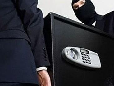 В Баку из дома украли сейф с крупной суммой денег