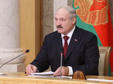 Беларусь предлагает Азербайджану автобусы и поезда