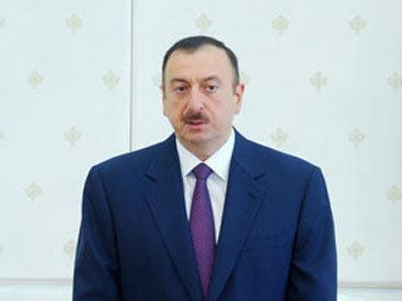 Президент Ильхам Алиев поздравил ливийского лидера Муамара Каддафи