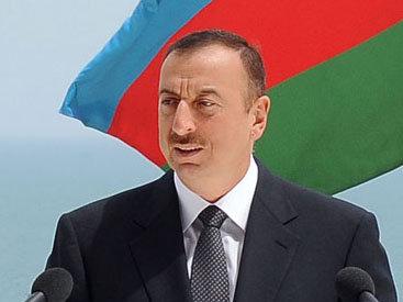 Президент Азербайджана поздравил узбекского коллегу