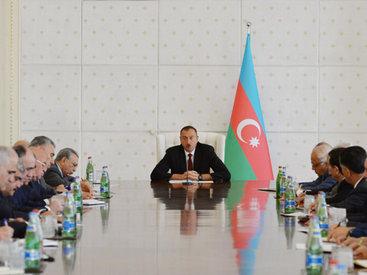 """Президент Ильхам Алиев: """"Мы гордимся нашей страной, нашим народом и успешно идем вперед"""""""
