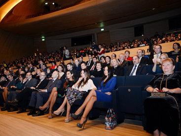 Первая леди Азербайджана Мехрибан Алиева присутствовала на музыкальном вечере, посвященном 200-летию со дня рождения Михаила Лермонтова - ФОТО