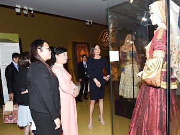 Первые леди Азербайджана и Вьетнама побывали в Ичеришехер и Музее ковра - ОБНОВЛЕНО - ФОТО