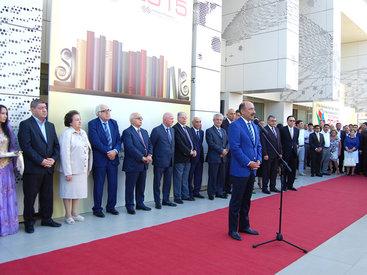 Потрясающий праздник книги в Баку - ФОТО