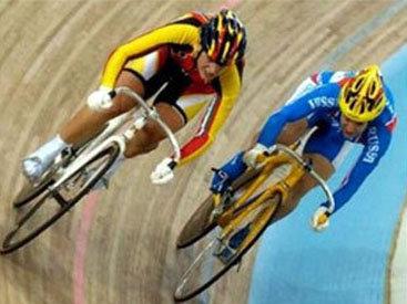 Азербайджанские велогонщики получили травмы в Киеве