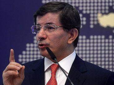 Давутоглу допустил проведение военной операции против сирийских курдов