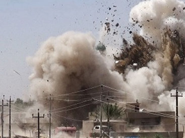 """Иракские ВВС по ошибке сбросили бомбы на своих соотечественников <span class=""""color_red"""">- ВИДЕО</span>"""