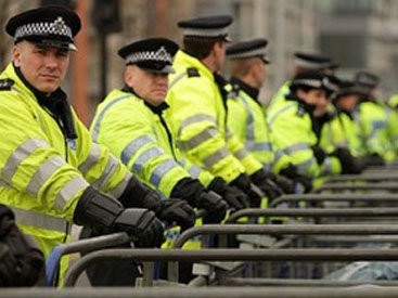 Полиция перекрыла Вестминстерский мост в Лондоне