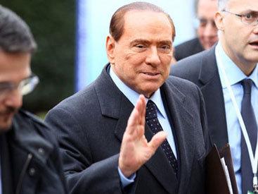 Холдинг Берлускони обязали выплатить €540 млн