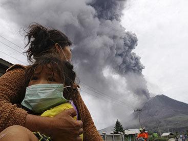 В Индонезии проснулся вулкан: эвакуированы тысячи людей - ОБНОВЛЕНО - ФОТО