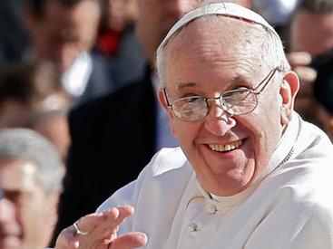 Азербайджанский политолог обвинил Папу Римского