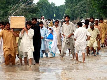 В результате наводнений в Индии пропало более 4000 человек