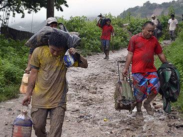 40 тысяч туристов заблокированы в Мексике из-за наводнения - ФОТО