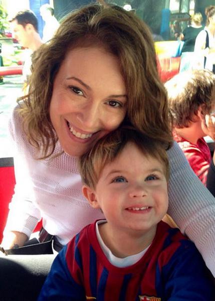 Алиса милано фото с ребенком