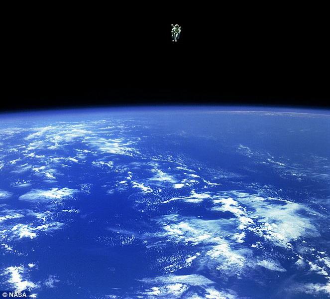 10 странных вещей, отправленных в космос