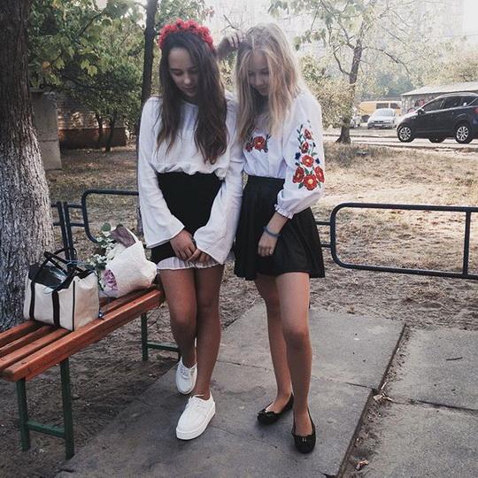 Молоденькие и зрелые русские лезбиянки в порно видео ...