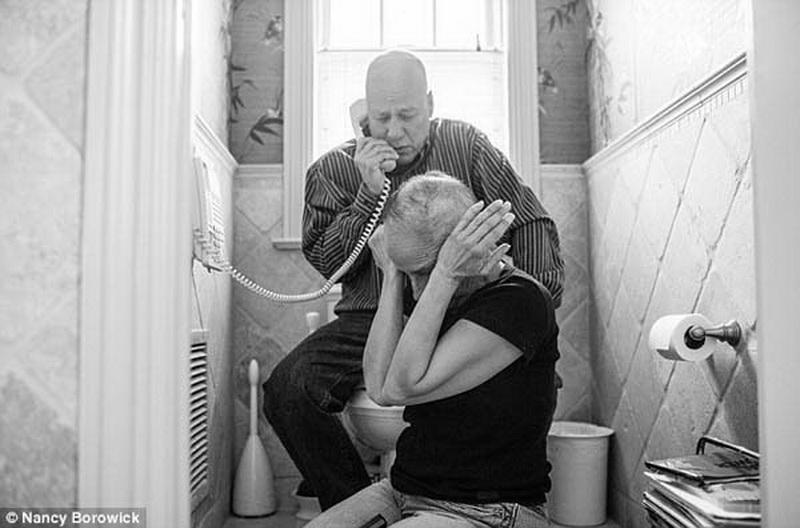 podruga-mami-rakom-foto