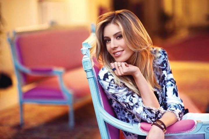 Синем кобал актриса и телеведущая