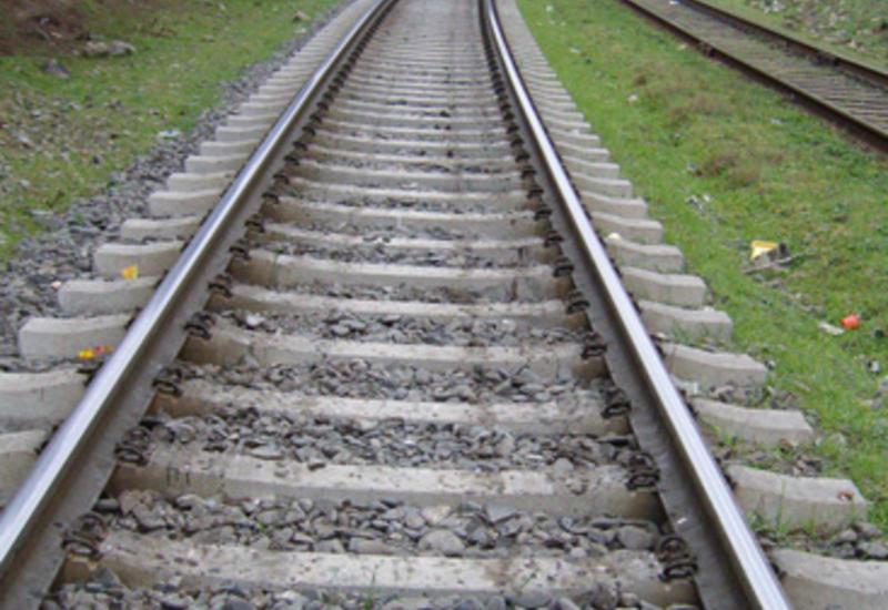 Поезд насмерть сбил жителя Лянкярана