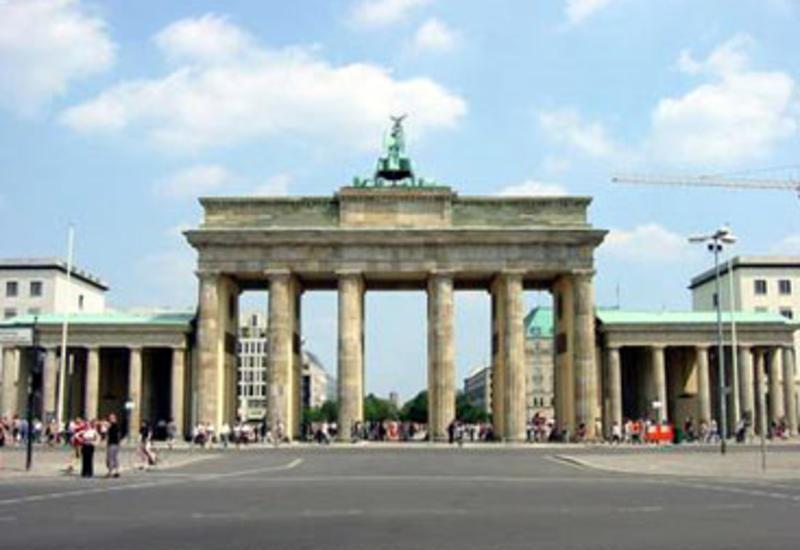 Около 200 тысяч человек в Берлине вышли на митинг