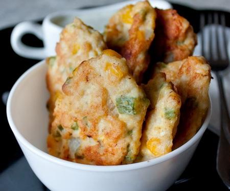 Куриные оладьи с кукурузой и фасолью - Пошаговый рецепт - ФОТО